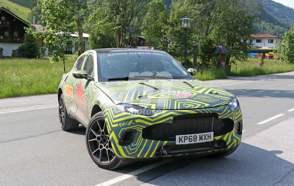 El Aston Martin DBX nos revela su interior provisional