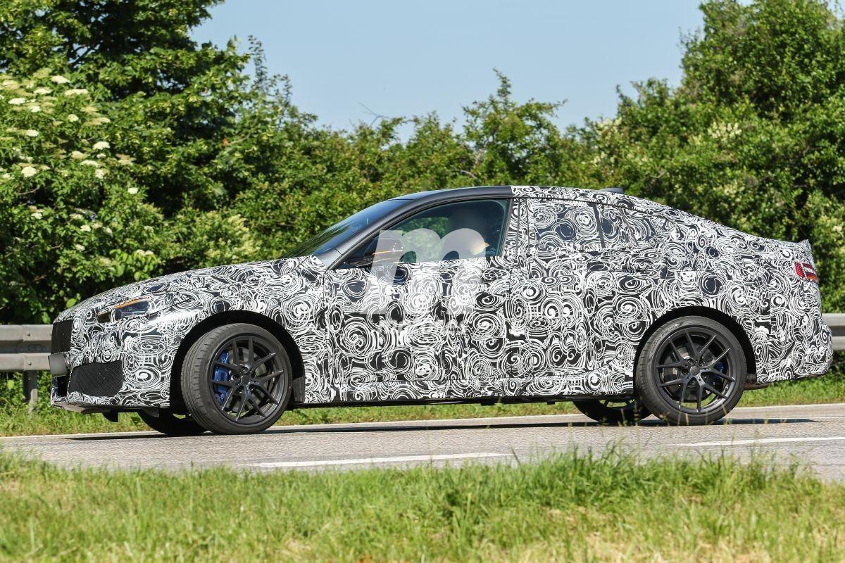 El nuevo BMW M235i Gran Coupé luce sus ópticas definitivas