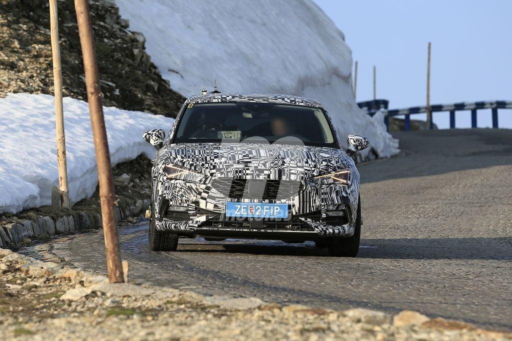 Los prototipos de la nueva generación del CUPRA León 2020 se trasladan a los Alpes