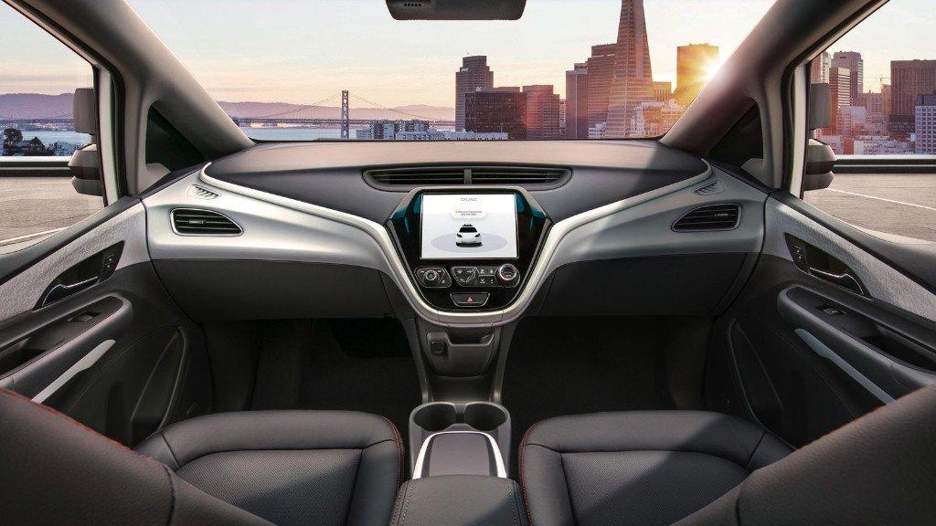 EEUU no permite a GM que lance su vehículo sin volante ni pedales