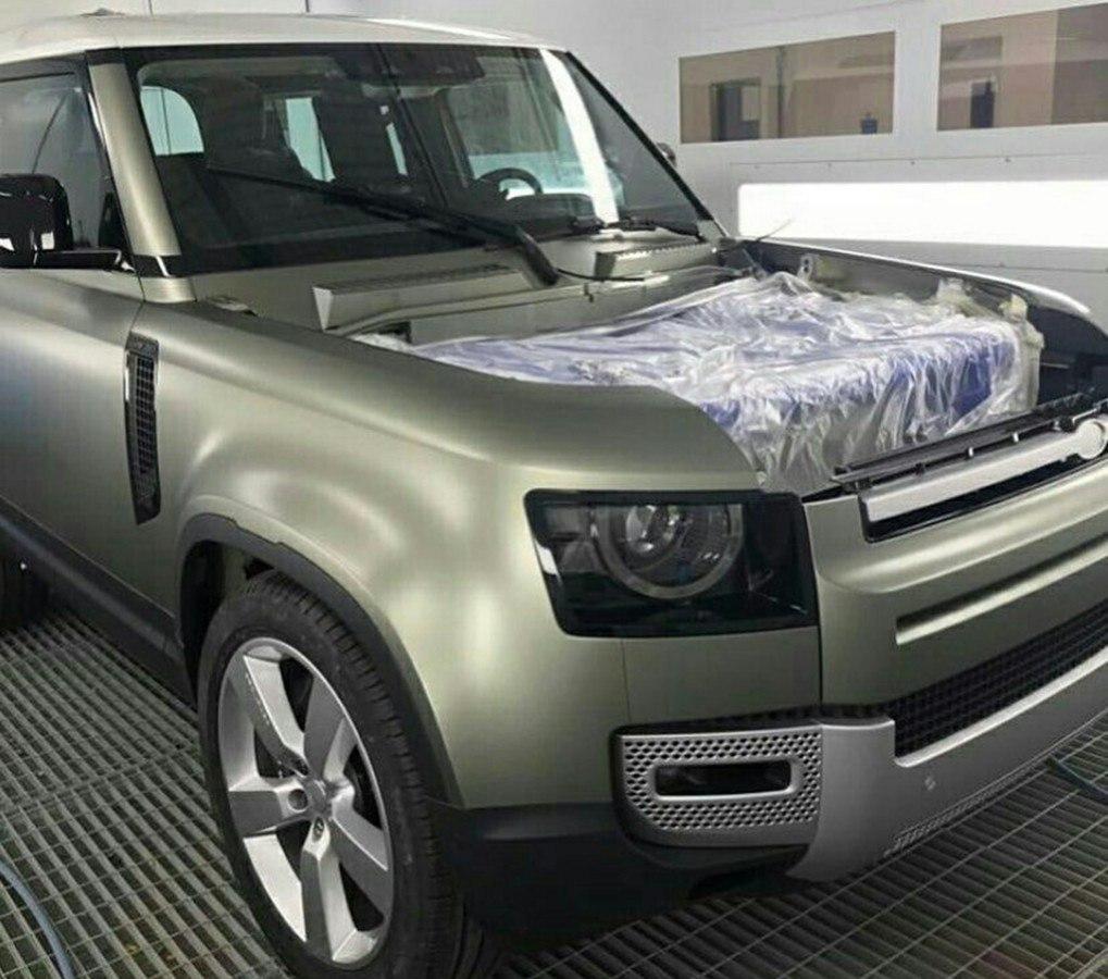 ¡Siguen las filtraciones! El exterior del nuevo Land Rover Defender al descubierto