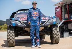Bryce Menzies se hace con uno de los Peugeot 3008 DKR