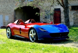 Ferrari presenta el Monza SP2 con los colores de Juan Manuel Fangio