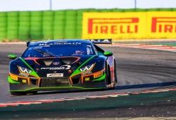 El Lamborghini #563 gana la primera carrera en Misano