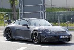 El nuevo Porsche 911 GT3 vuelve a posar en fotos espía en Nürburgring