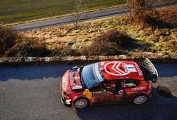 Sébastien Ogier sigue de líder en un 'Monte' lleno de bajas
