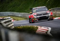Volkswagen domina los libres del WTCR en Nordschleife