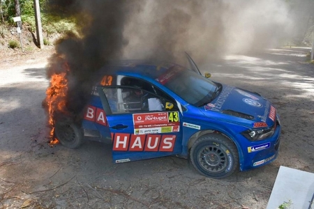 El fuego devora la fiabilidad del Volkswagen Polo GTI R5