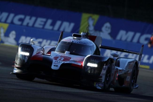 Alonso analiza la clasificación de las 24 Horas de Le Mans.