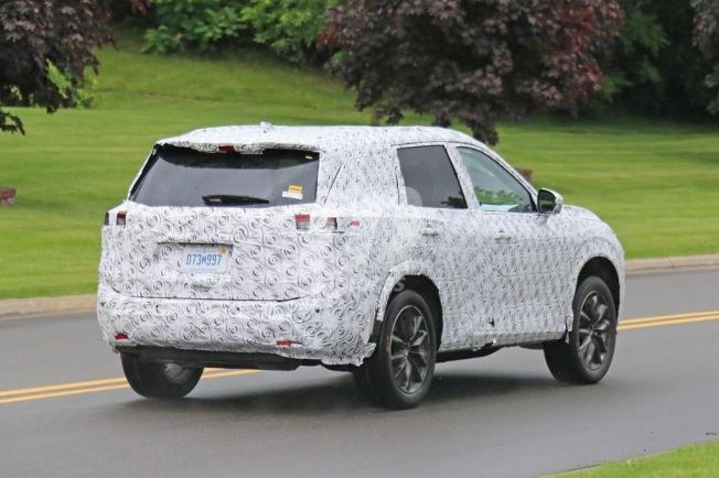 Los prototipos del Nissan X-Trail de nueva generación ya ...