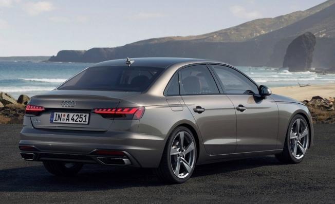 Audi A4 - posterior
