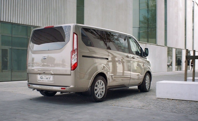 Ford Tourneo Custom - posterior