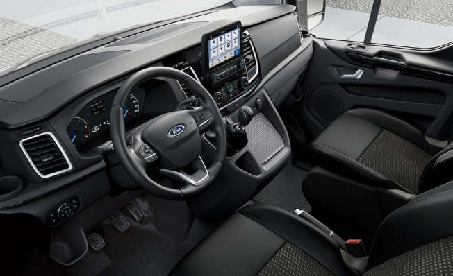 Ford Tourneo Custom - interior