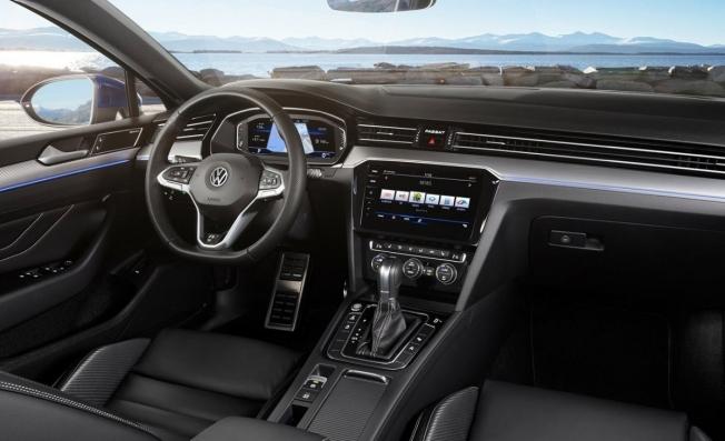 Volkswagen Passat 2019 - interior