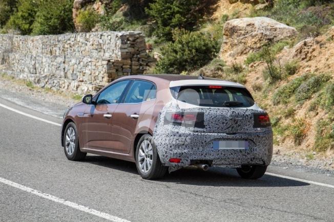 Renault Mégane 2020 - foto espía posterior