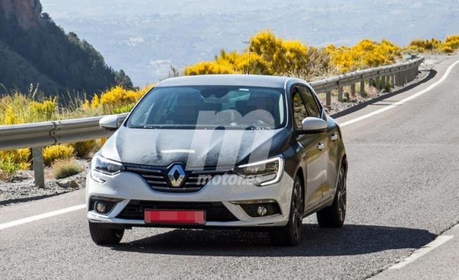 Renault Mégane e-Tech - foto espía frontal