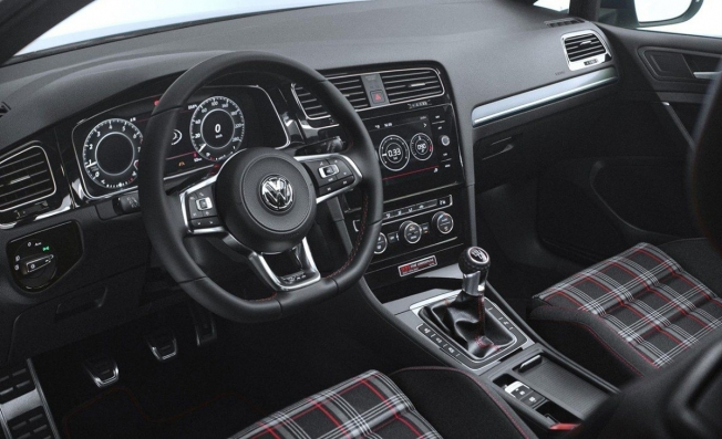 Volkswagen Golf GTI The Original - interior