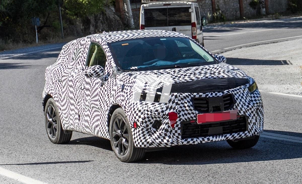 El interior del nuevo Renault Captur 2020 se insinúa en estas fotos espía