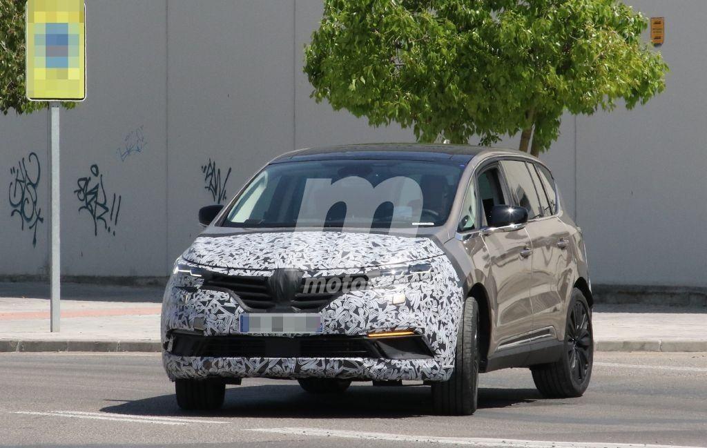 Nuevas fotos espía del Renault Espace 2020, el crossover sigue con sus pruebas