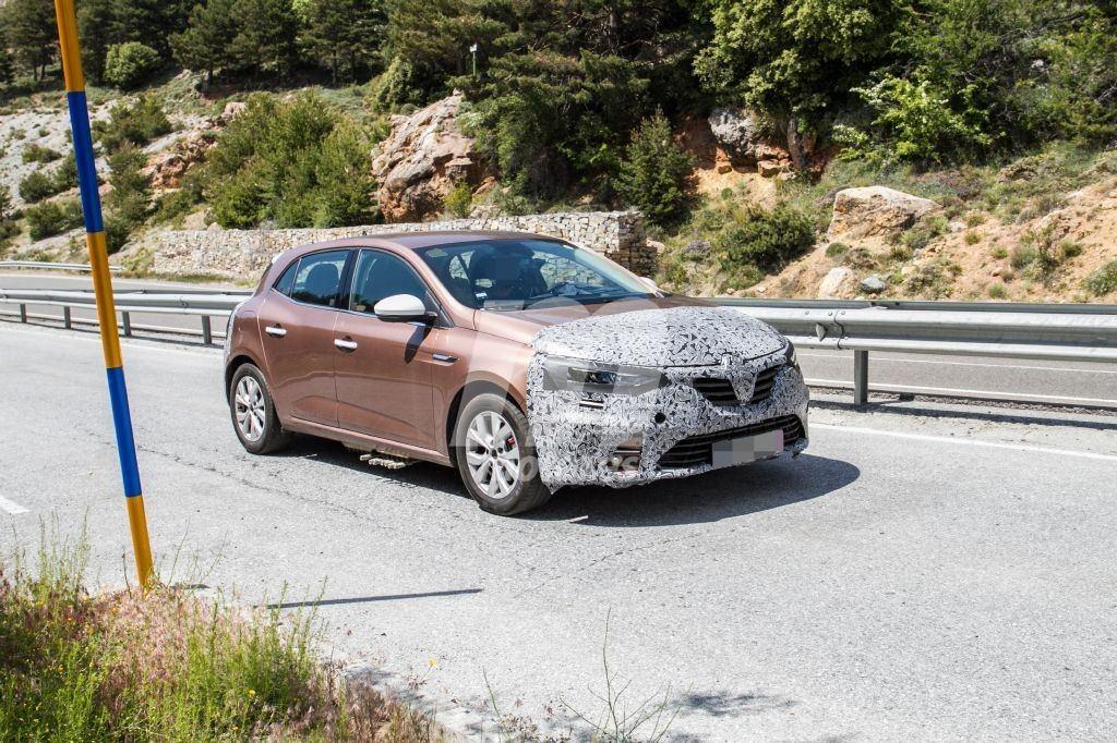 2019 - [Renault] Megane IV restylée  - Page 9 Renault-megane-2020-fotos-desarrollo-201958375-1560868218_17