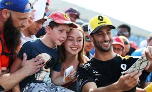 """Ricciardo, tras la sanción: """"Preferí intentarlo y seguro que la gente disfrutó viéndolo"""""""
