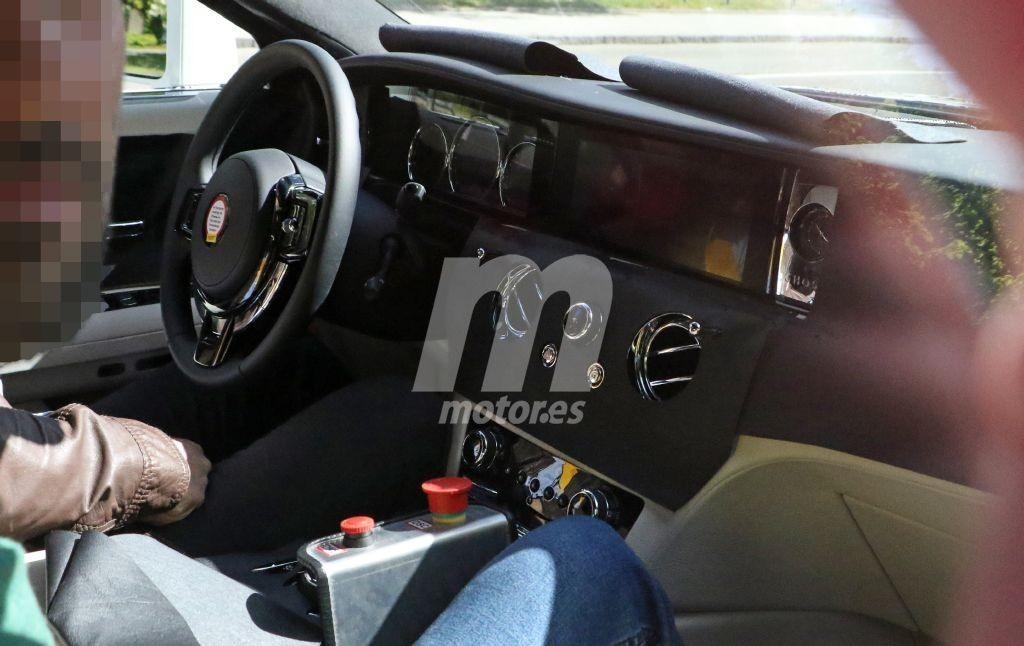 Nuevas fotos espía descubren el interior del nuevo Rolls-Royce Ghost 2021