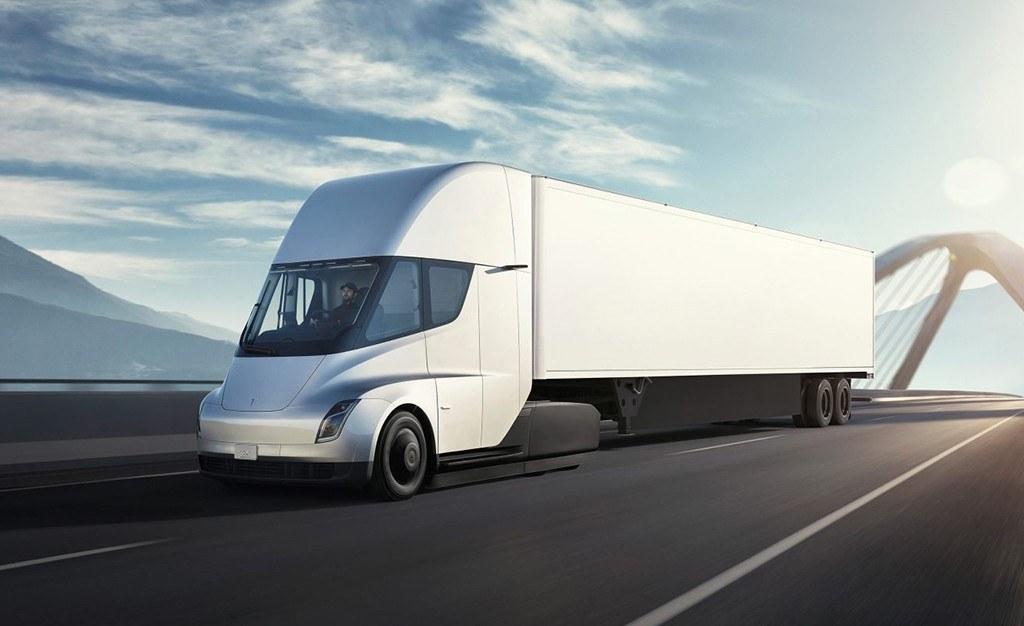 La producción del Tesla Semi se retrasa, el camión eléctrico llegará en 2020