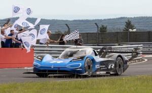 El Volkswagen ID. R bate el récord del Nordschleife para un vehículo eléctrico