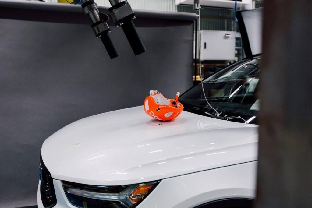 Volvo desarrolla un nuevo sistema de evaluación de choque con cascos de ciclistas