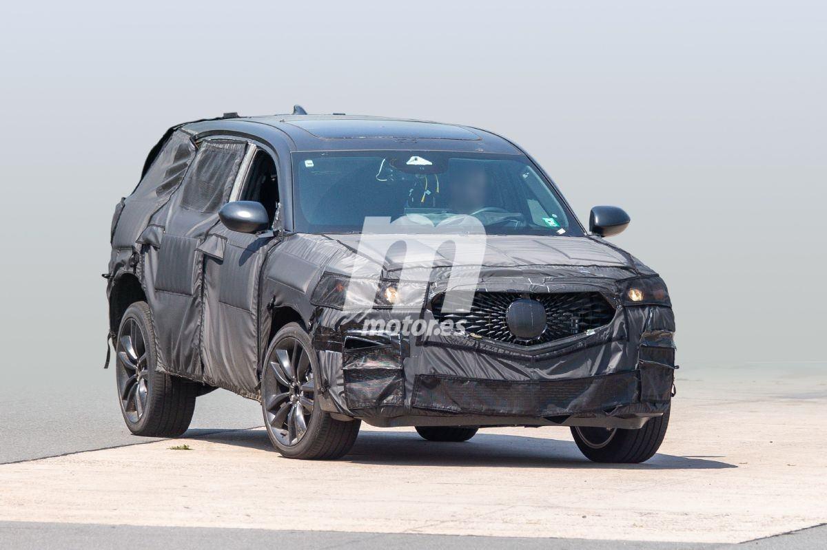 El nuevo Acura MDX Type S 2020 pierde algo de camuflaje y muestra su parrilla