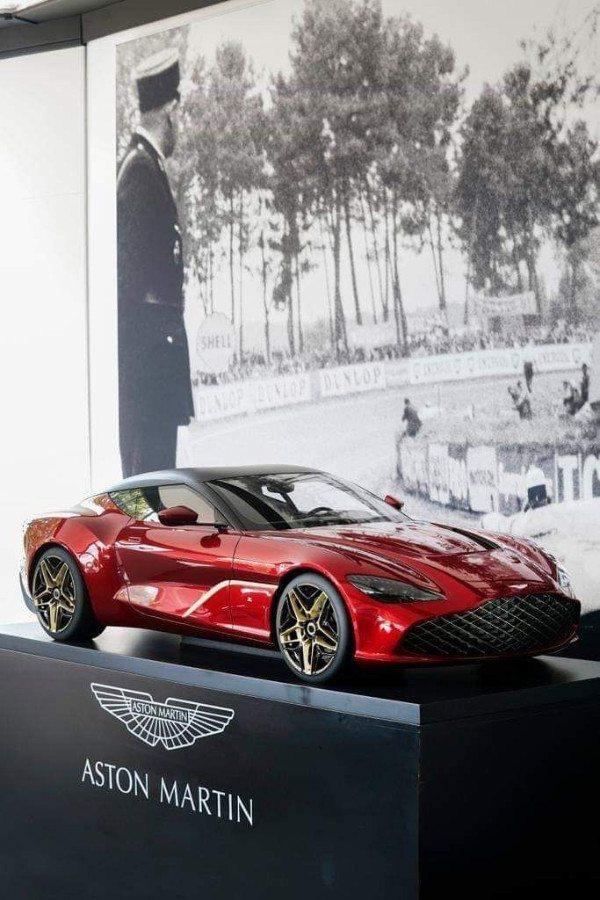 2019 Aston Martin DBS GT Zagato 4