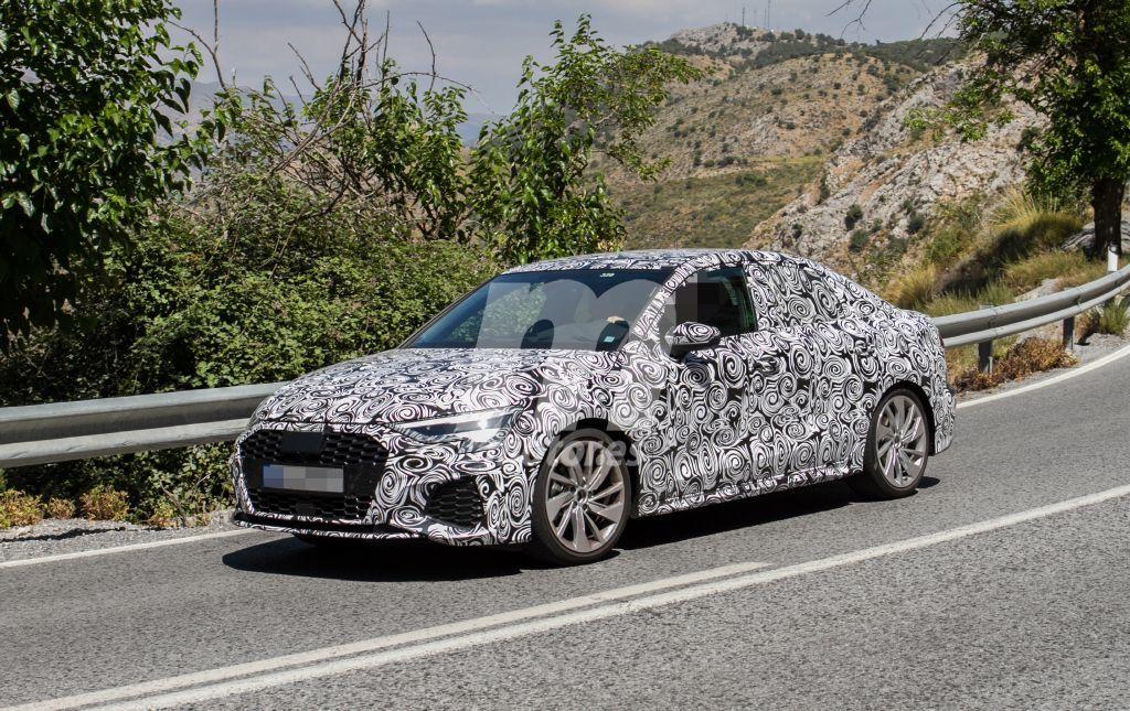 El nuevo Audi A3 Sedán es avistado a plena luz del día en España