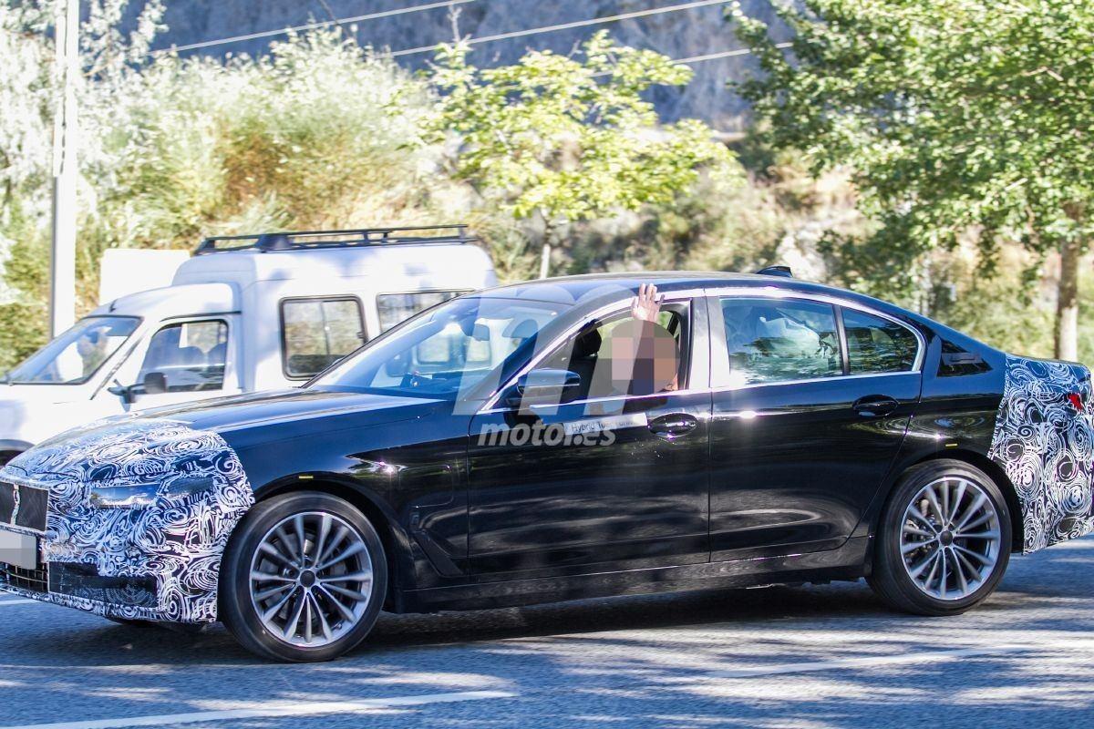 BMW Serie 5 (G30) LCI (2020) 32