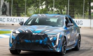 """Las futuras versiones V-Series """"gordas"""" de Cadillac llevarán el nombre Blackwing"""