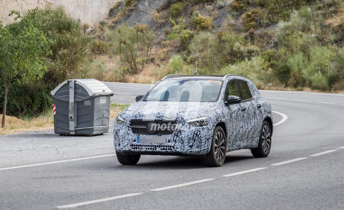La nueva generación del Mercedes GLA ofrecerá una mecánica híbrida enchufable
