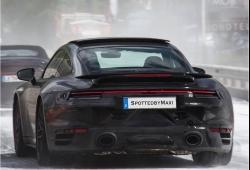 El futuro Porsche 911 Turbo ya se pasea con su paragolpes trasero definitivo