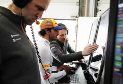 """Seidl: """"Me impresiona cómo trabaja Sainz fuera del coche"""""""