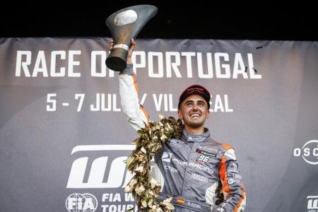 Mikel Azcona nos da la visión directa de su primer triunfo en el WTCR