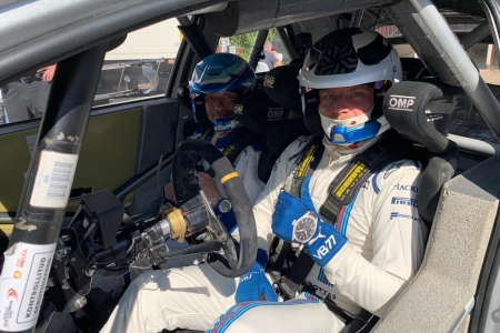 Valtteri Bottas también prueba el Toyota Yaris WRC