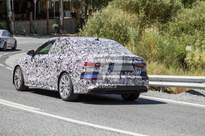 Audi A3 Sedán 2021 - foto espía posterior