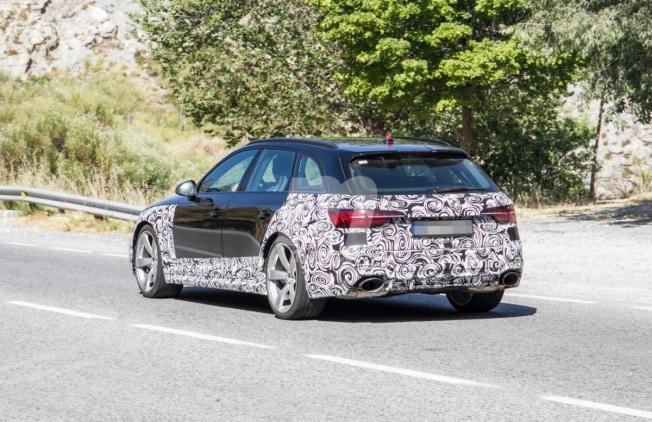 Audi RS 4 Avant 2020 - foto espía posterior