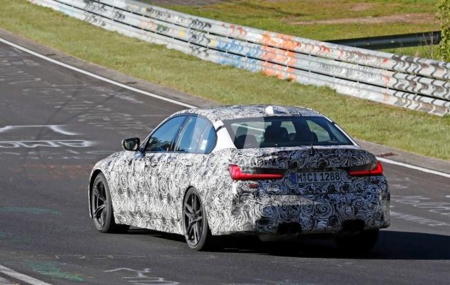 BMW M3 2020 - foto espía posterior