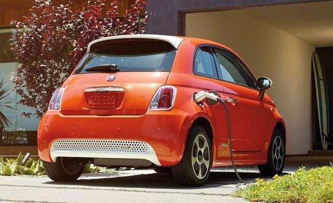 Fiat 500e - posterior