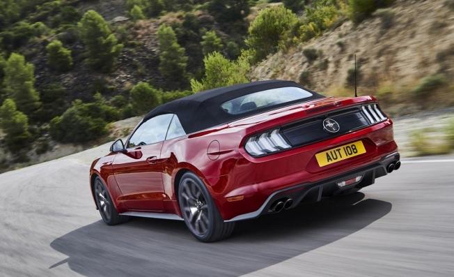 Ford Mustang Convertible - posterior
