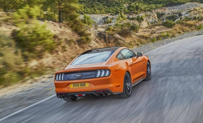 Ford Mustang55 - posterior
