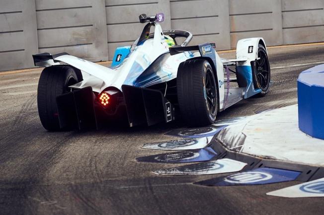 Vergne revalida su título de la Fórmula E en la victoria de Frijns