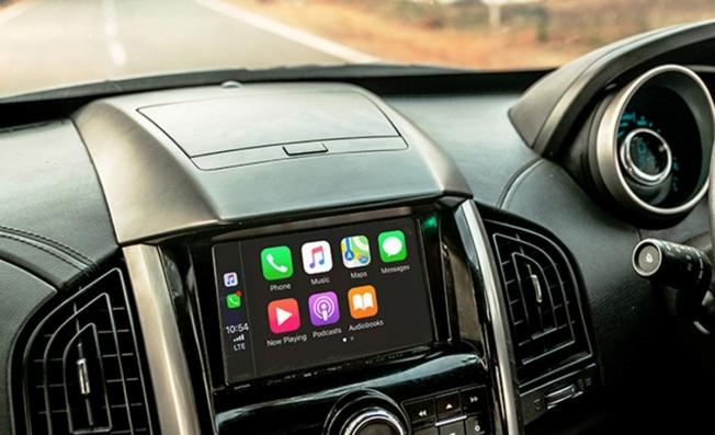 Mahindra XUV500 2020 - interior