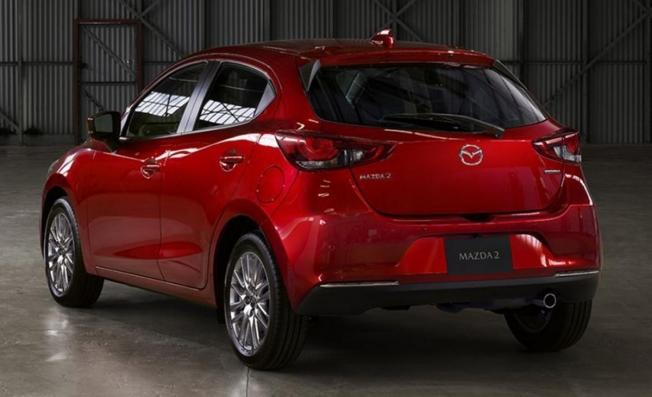 Mazda2 2020 - posterior