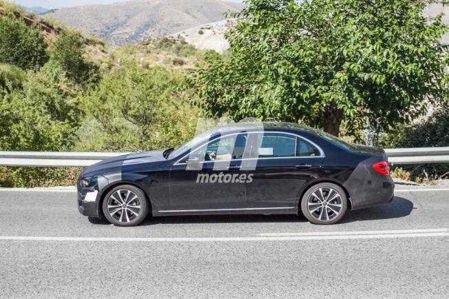 Mercedes Clase E 2020 - foto espía lateral