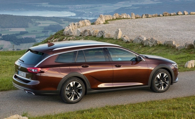 Opel Insignia Country Tourer - posterior